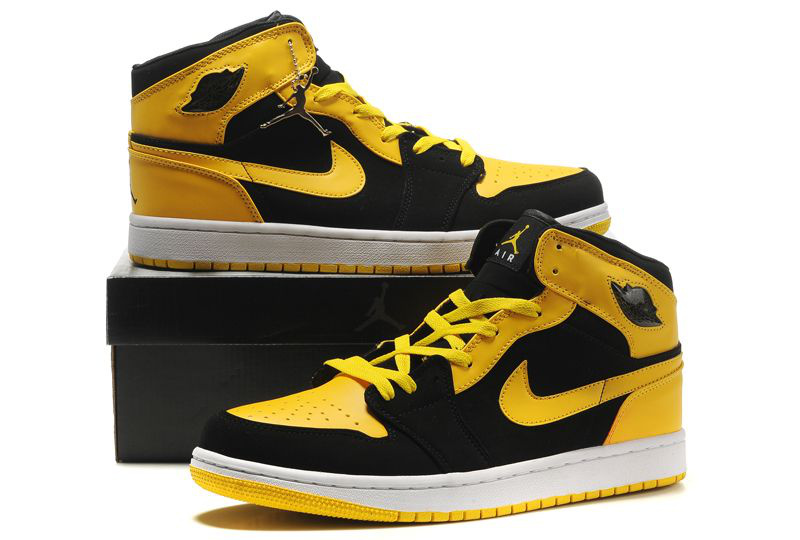 Air Jordan 1 Retro Shoes