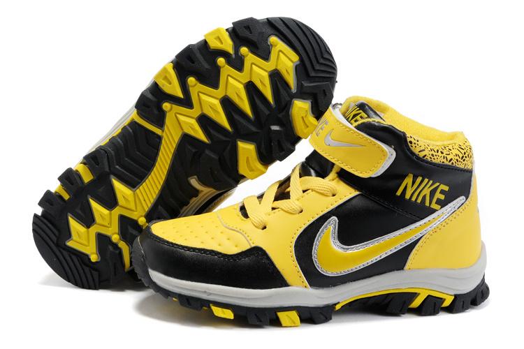 Nike Dunk High Top Shoes