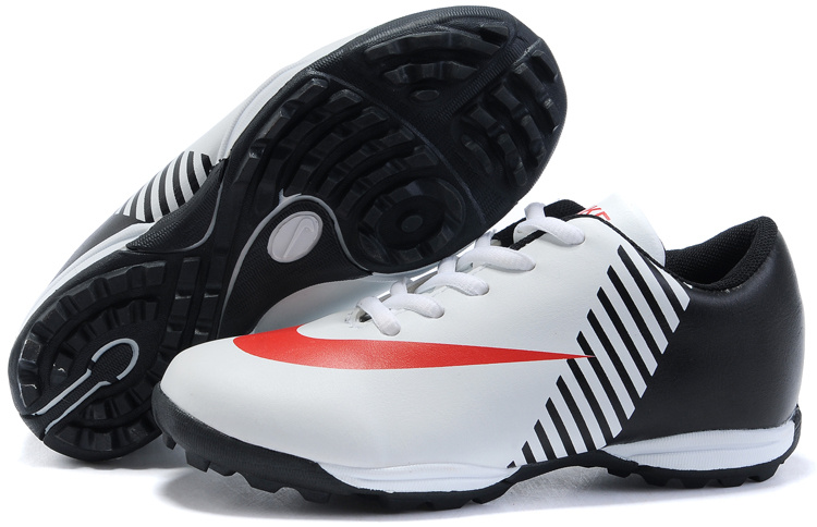 Nike Mercurial Victory TF Soccer