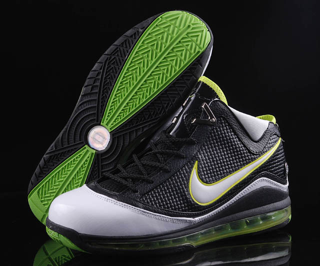 Nike Zoom Lebron VII Shoes