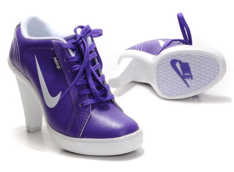 nike dunk low heels