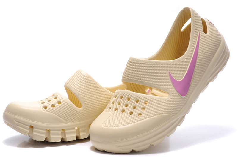 Womens NIke Outdoor Shoes